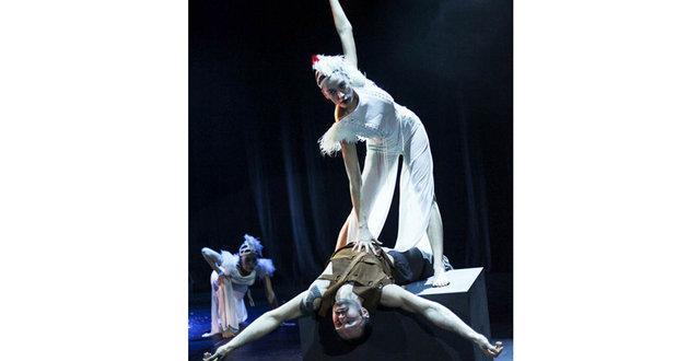 Serenay Sarıkaya, rolüne üç ay boyunca özel dans dersi alarak hazırlandı